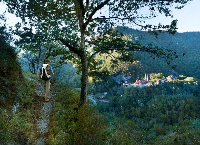 Vistas a la basílica de Covadonga